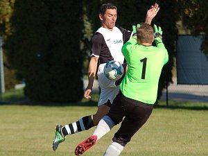 Fotbalisté Nového Rychnova vedou III. třídu jen zásluhou lepšího skóre.