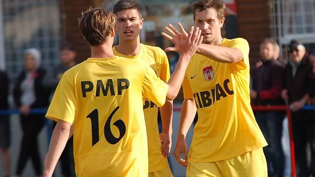 Fotbalisté Nového Rychnova soupeři z A. Dolu nastříleli ve druhé půli tři góly.