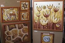 Positivní obrazy vystavuje v kostele sv. Víta v Pelhřimově  Jana Frýblová