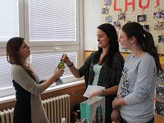 Pelhřimovskou Základní školu Na Pražské navštívila kulturní atašé amerického velvyslanectví Sherry Keneson-Hallová.