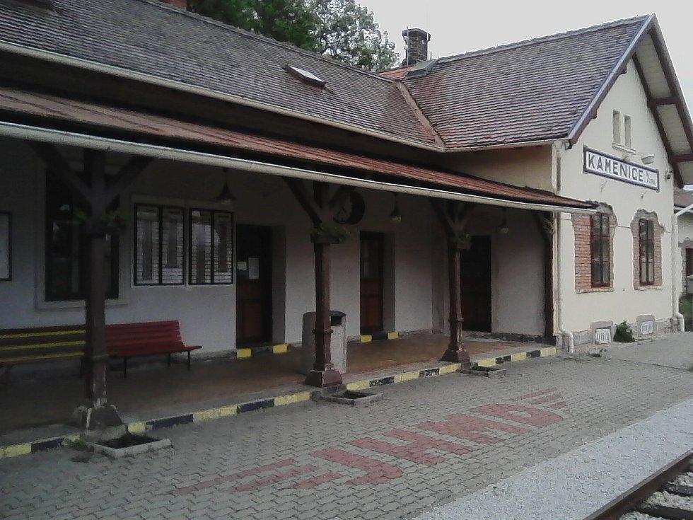 38. Nádraží pro úzkokolejku v Kamenici nad Lipou