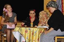 Snímek z loňského představení v Počátkách