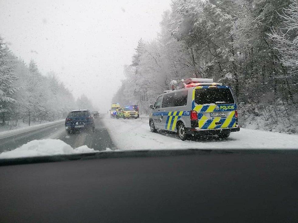 Nehoda na silnici I/19 ve směru na Humpolec.