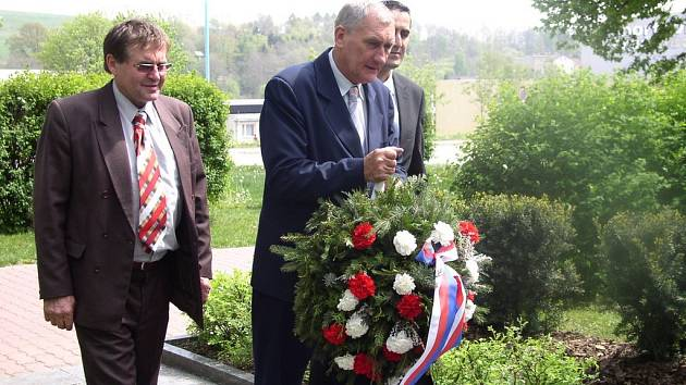 Uctění památky obětem války.