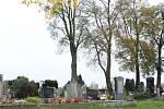 Nedávno byla na pacovském hřbitově rozšířena odběrná místa na vodu. Místo tří už jich je na hřbitově pět.