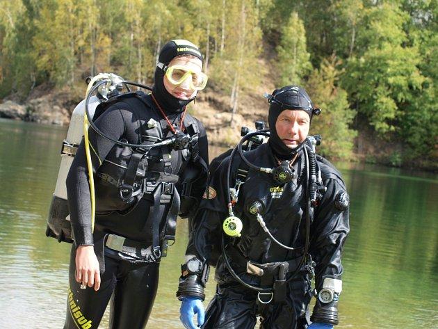 Příležitosti zkusit si potápění se chopil syn výherkyně Radky Paclíkové Václav. Oslavil tak svůj svátek.