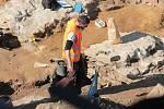 Archeologové našli zkoumali základy opevnění města.