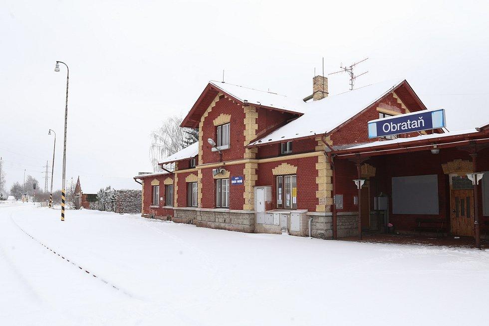 Vlakové nádraží v Obratani.