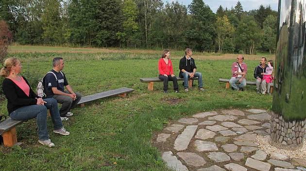 Poutníci dorazili do Parku studií a reflexe Pravíkov krátce po osmnácté hodině.