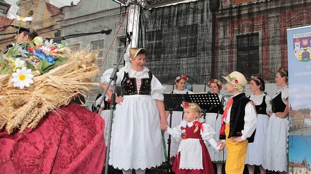 Soubor lidových písní a tanců Trnávka.