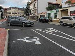 Motoristé se v pondělí po dlouhých týdnech dočkali zprůjezdnění ulice na Příkopech v Pelhřimově.