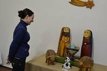 Do konce roku je ve výstavním sále humpoleckého Muzea Dr. Aleše Hrdličky na Dolním náměstí k vidění práce Tomáše Štolby, a to v podobě dřevořezeb.