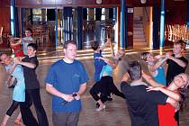 S tancováním má co do činění už od studia. Společně s Janem Kulíkem vedli od roku 1994 kurzy tanečních, z vlastní iniciativy pak vznikly i kurzy pro pokročilé. Činnost v tanečním klubu se snaží skloubit se svou prací v muzeu, což se prý poměrně daří.