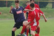Málo pohledných fotbalových akcí, žádné góly přinesl zápas mezi Pelhřimovem B a Pohledem. Dělba bodů byla spravedlivá.