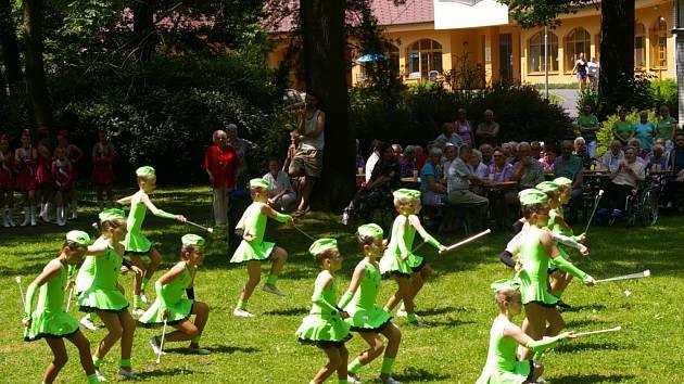 Pelhřimovští senioři měli pestrý společenský den.