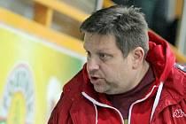 Aleš Kučera si toho letos nabral na svá bedra dost. K pozici manažera přibral i post trenéra prvního týmu.