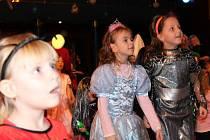 Karneval s Večerníčkem v pelhřimovském Máji