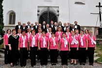 . Pacovský sbor má v současné době 35 stálých členů. Účinkují nejen v České republice, ale koncertovat jezdí i do zahraničí. Velké úspěchy slaví například v Itálii.