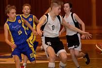 Basketbalisté Pelhřimova po velmi dobrém výkonu porazili Opavu 65:39. Pěti body k tomu přispěl Alan Rufer (vpravo).