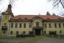 Současný stav zámku v Lukavci