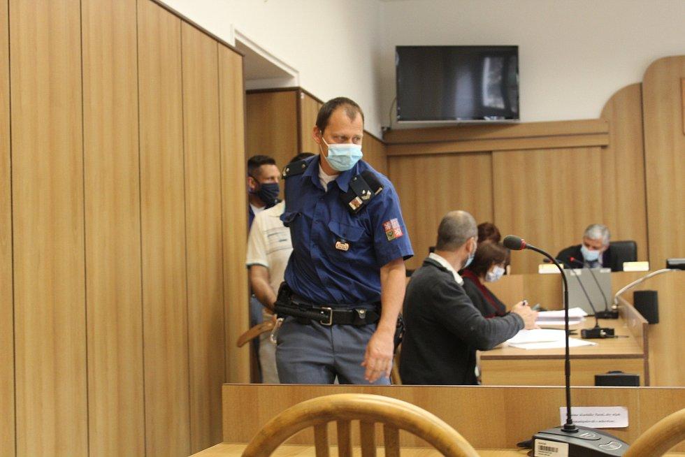 Krajský soud v Táboře v úterý uznal vinným Rumuna Mariuse Ivana (*1977) z pokusu o vraždu.