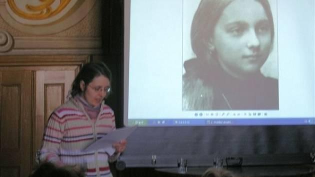 Přednáška o básnířce Ludmili Šebestové, která publikovala pod pseudonymem Simonetta Buonaccini.