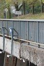 Květnové bourání se dotkne mostu u Hněvkovic i u Jiřic (na snímku).