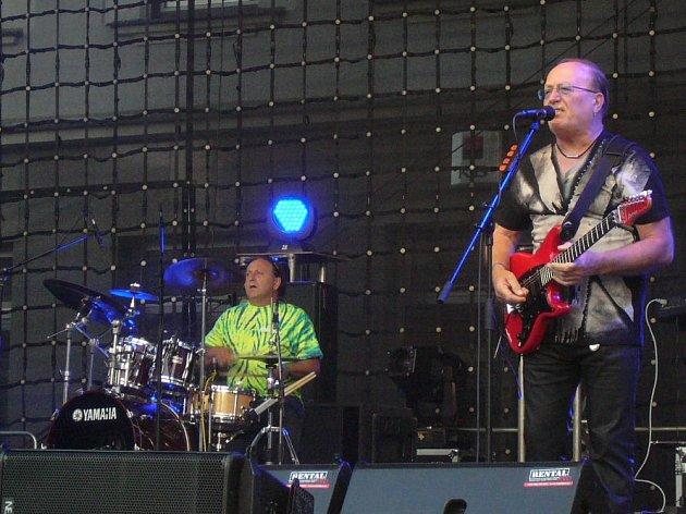 Na Bernard Festu vystoupí i kapela Olympic.