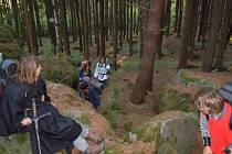 Skauti v lese pod Orlíkem.