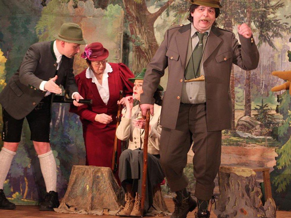 Rynárecký divadelní soubor v roce 2015 hrál divadelní hru Hajný v lese usnul. Miroslav Kumžák ztvárnil roli hajného Jemelku.