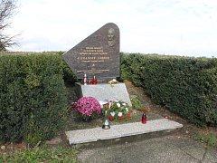 Naposledy se lidé u pomníku sešli před pěti lety.