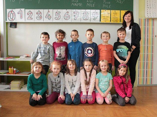 Na fotografii jsou žáci ze ZŠ Želiv, 1.třída paní učitelky Barbory Bártové.
