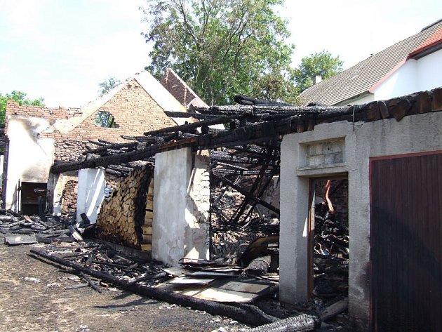 Čtvrteční požár v Rodínově na Pelhřimovsku napáchal škody čítající přes 2 500 000 korun