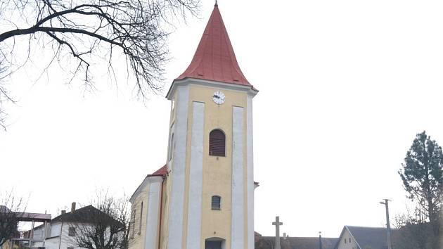 Výtěžek z veřejné sbírky poputuje na venkovní opravy kostela na návsi v Kališti.