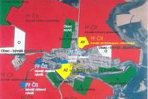 Červeně, modře a žlutě je značen církevní majetek, bíle obecní s blokací a zeleně soukromý.