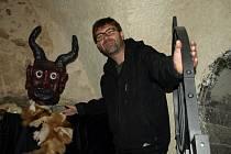 """Trochu tajemna ukrývá třináctá komnata pelhřimovského pekla, """"Co se v ní nachází, to budou muset odhalit sami návštěvníci,"""" láká ředitel pelhřimovských kulturních zařízení Martin Ecler."""