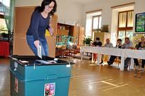 V pátek 7. října od 14 do 22 hodin a v sobotu 8. října od 8 do 14 hodin se nejen na Pelhřimovsku uskuteční volby do krajských zastupitelstev.