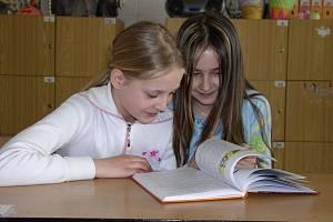 Současným páťákům se společné dílo učitelek Vladimíry Madronové a Anny Prchalové zalíbilo.