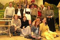 """Častrovský divadelní soubor funguje už devadesát let. V obci se """"ochotničí"""" od roku 1920."""