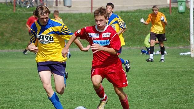 Starší dorostenci FK Pelhřimov se po špatném vstupu do soutěže dostali do formy. Vzestup divizní tabulkou potvrdilo i vysoké vítězství nad Vrchovinou.
