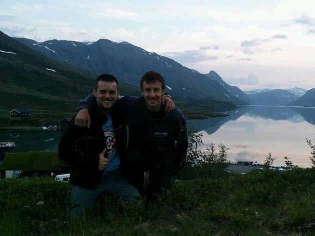 Motorkáři David Podoba a Tomáš Hrala z Humpolce nasedli 3. července na své plechové mazlíčky a vyrazili na cestu po severní Evropě.