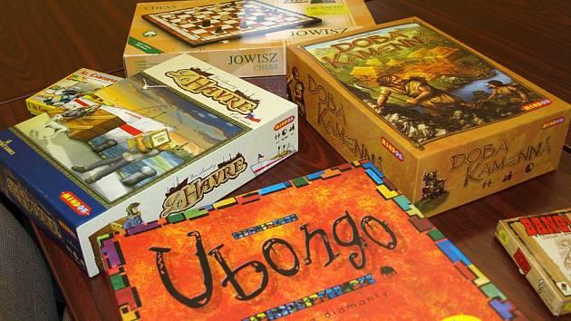 """Zájemci o """"deskovky"""" si dají každou středu dostaveníčko v pelhřimovské knihovně."""
