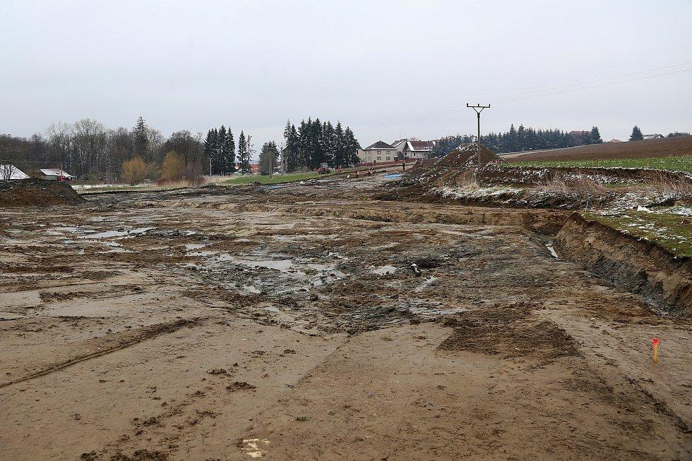 Archeologové pracují v místech budoucího obchvatu Lukavce na Pelhřimovsku.