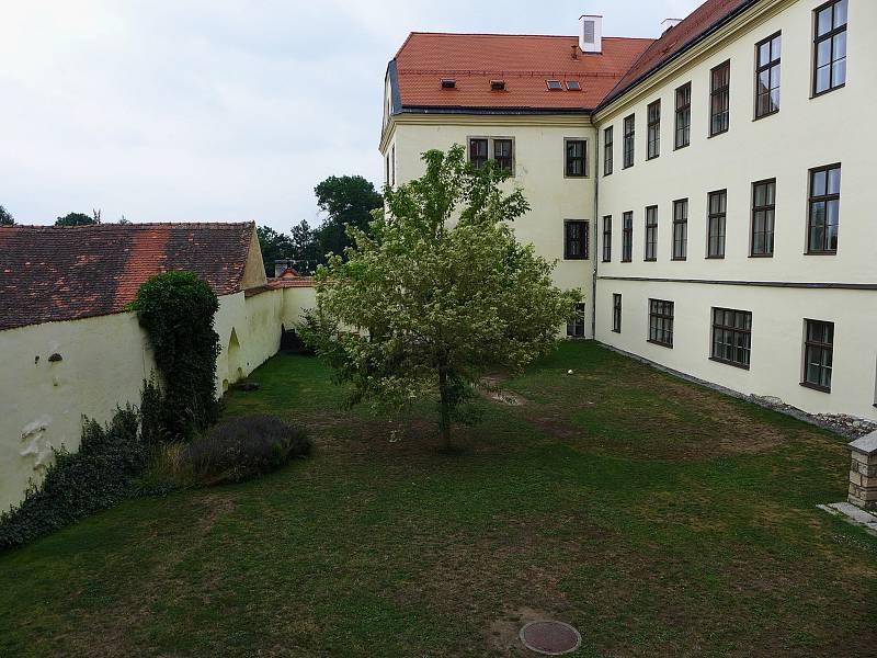 Jezuitská zahrada v Telči.
