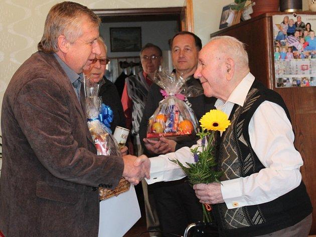 Václav Princ z Pacova oslavil sté narozeniny.