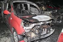 Následky pořáru autobazaru v obci u Humpolce na Pelhřimovsku.