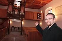 Daniel Matějka je farářem Českobratrské církve evangelické v Moravči.