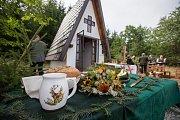 Vysvěcení zcela nové lesní kaple svatého Huberta ve Výklanticích na Pelhřimovsku.