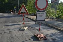 Silnice mezi Humpolcem a Jihlavou II/523 je zatím průjezdná jen v opraveném úseku od Větrného Jeníkova do Jihlavy.