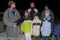 Proč vlastně sovy houkají? I na tuto otázku dala odpověď sobotní večerní procházka křemešnickými lesy.